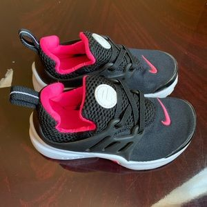 Other - Nike Presto Black/Pink Kids size 9c